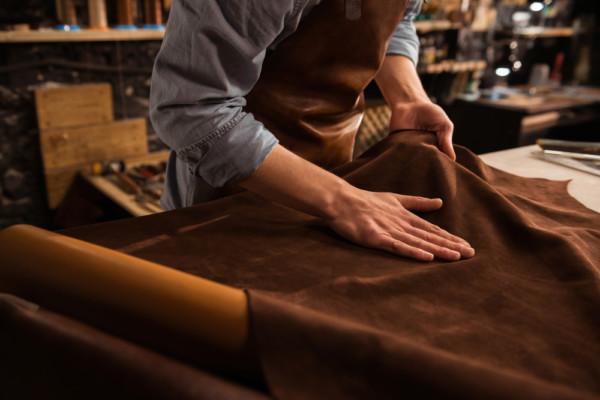 Leder pflegen in drei Schritten - So geht Lederpflege richtig